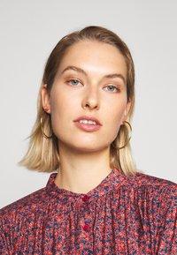Rebecca Minkoff - DRESS - Skjortekjole - red/blue - 3