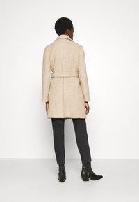 Vero Moda - VMBRUSHEDDORA JACKET - Frakker / klassisk frakker - nude - 2