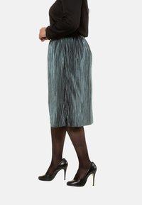 Ulla Popken - A-line skirt - helles petrolgrün - 2