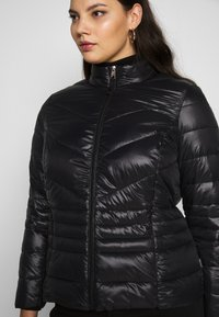 Vero Moda Curve - VMSORAYASIV SHORT JACKET CURVE - Light jacket - black - 3
