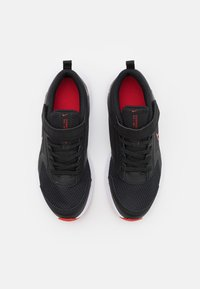Nike Performance - DOWNSHIFTER 11 UNISEX - Chaussures de running neutres - black/universe red/dark smoke grey/white - 3