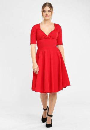 TRIXIE - Day dress - red