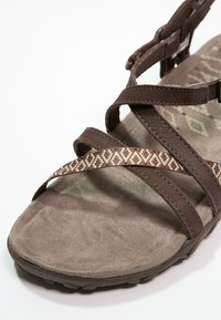 Merrell - TERRAN LATTICE II - Outdoorsandalen - dark earth - 5