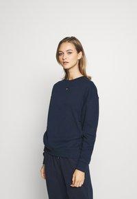 Tommy Hilfiger - TRACK - Sweatshirt - navy blazer - 0
