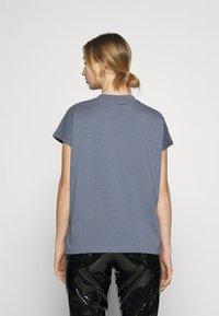 Weekday - PRIME - Basic T-shirt - grey - 2