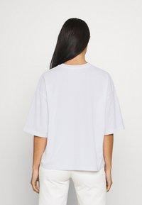 CLOSED - WOMEN´S - Print T-shirt - white - 2