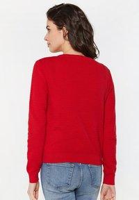 WE Fashion - Gilet - bright red - 2