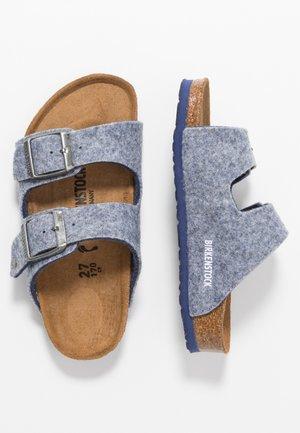 ARIZONA - Slippers - doubleface powder blue