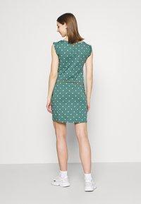 Ragwear - TAG DOTS - Etui-jurk - dark green - 2