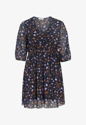 MIT BLUMEN-PRINT - Day dress - lilac