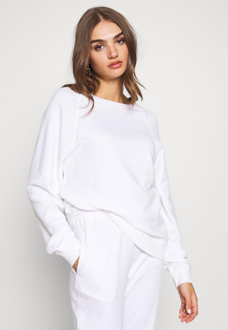 Hollister Co. - ICON CREW - Sweatshirt - white