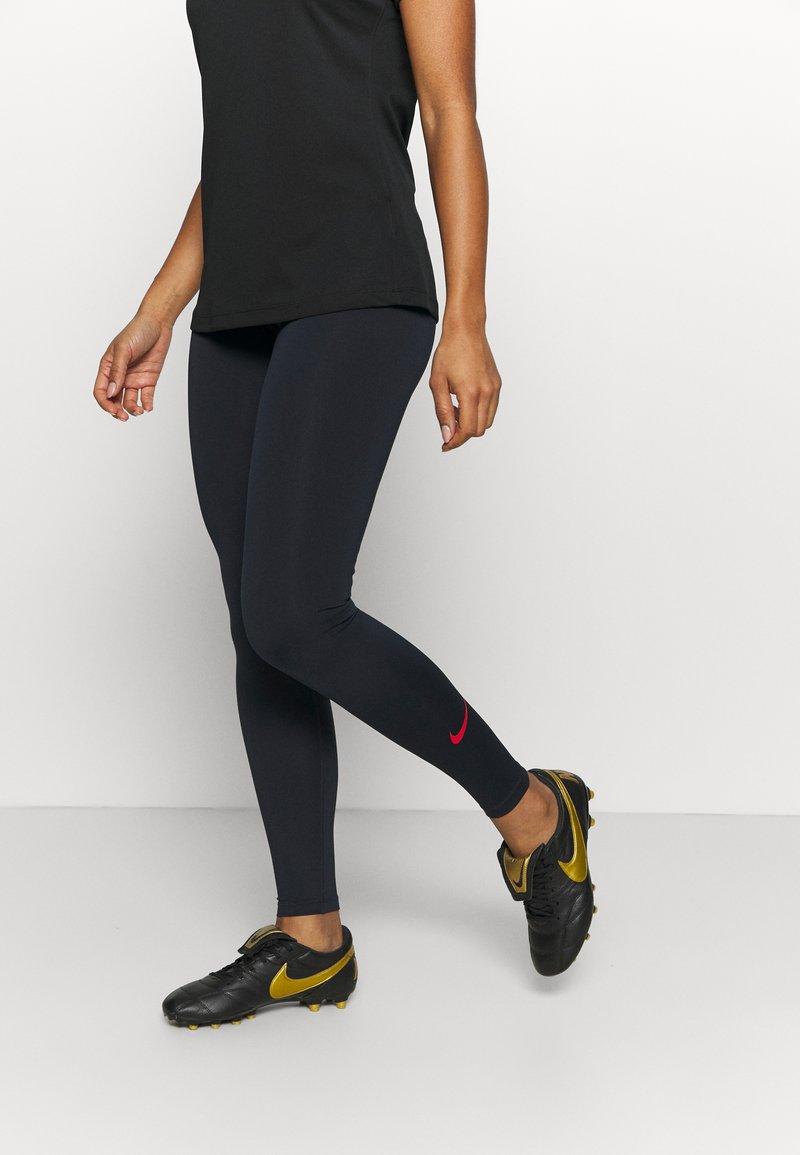 Nike Performance - FRANKREICH FFF ONE - Medias - dark obsidian/university red
