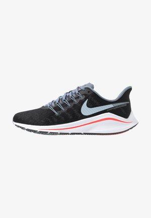 AIR ZOOM VOMERO 14 - Neutral running shoes - black/bright crimson/armory blue