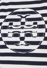 Tory Burch - STRIPED LOGO  - Camiseta estampada - navy - 4