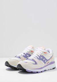 Saucony - AZURA - Trainers - white/lilac - 4
