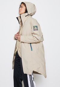 adidas Performance - MYSHELTER 4IN1 PARKA - Parkatakki - savannah - 4