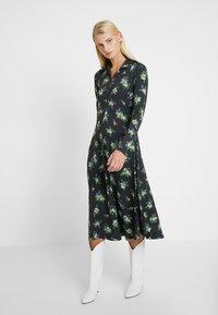 Résumé - SOFIE DRESS - Žerzejové šaty - black - 0