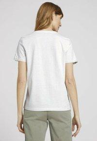 TOM TAILOR - GESTREIFTES  - Print T-shirt - aral blue white stripe - 2