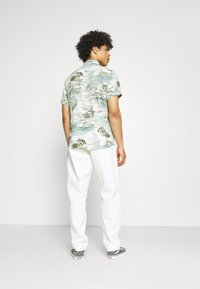 Quiksilver - LOOSE RIDER - Straight leg jeans - snow white - 2