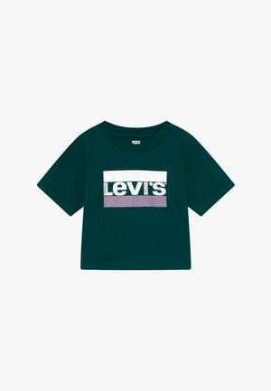 HIGH RISE TEE - Print T-shirt - deep teal