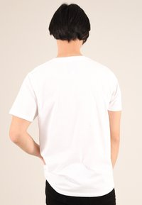 blonde gone rogue - LAVENDER - T-shirt con stampa - white - 2