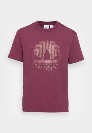 DECO TREFOIL - Print T-shirt - victory crimson
