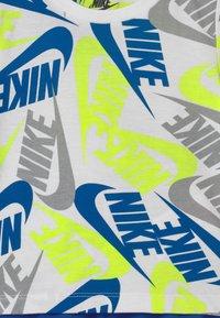 Nike Sportswear - FUTURA SET - Trainingsbroek - blue/neon green - 3