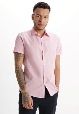 SHORT SLEEVE SLIM FIT - Shirt - pink