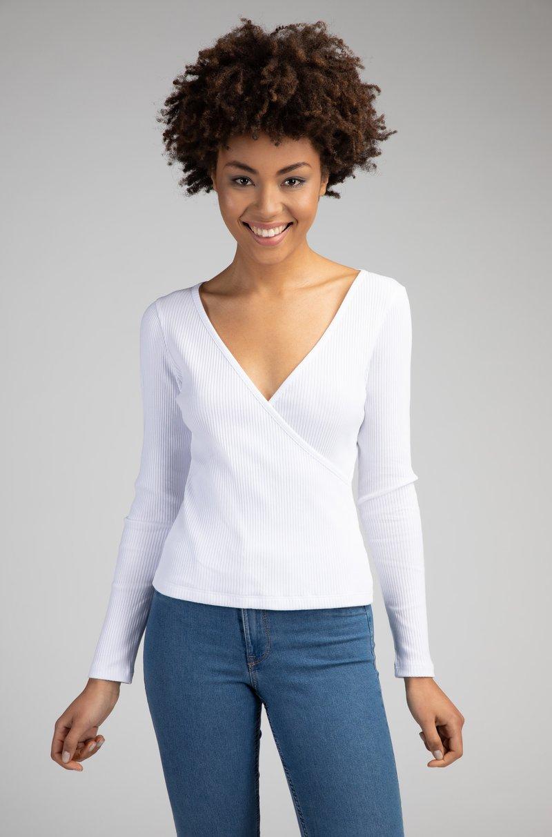 Girl Happens - LIA - Long sleeved top - weiß
