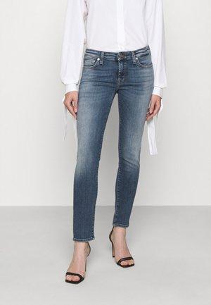 PYPER CROP SLIILLBEY - Jeans Skinny Fit - light blue