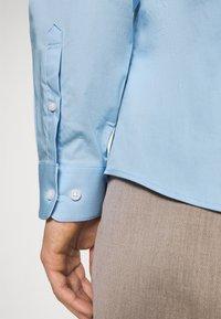 Selected Homme - SLHSLIMBROOKLYN  - Shirt - light blue - 4