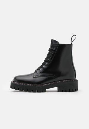PAINT BOOT - Snørestøvletter - black