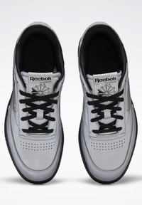 Reebok Classic - CLUB C DOUBLE - Trainers - silver - 2