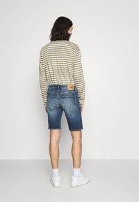Tommy Jeans - SCANTON SLIM DENIM  - Shorts di jeans - hampton - 2