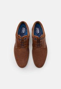 Lloyd - MILTON - Sznurowane obuwie sportowe - cognac - 3