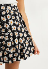 WE Fashion - SKORT - A-line skirt - all-over print - 2