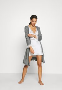 Etam - WARM DAY DESHABILLE - Dressing gown - gris - 1