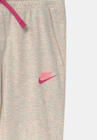Nike Sportswear - Teplákové kalhoty - coconut milk heather - 2