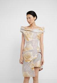 Vivienne Westwood - DEVANA DRESS - Sukienka koktajlowa - natural - 0