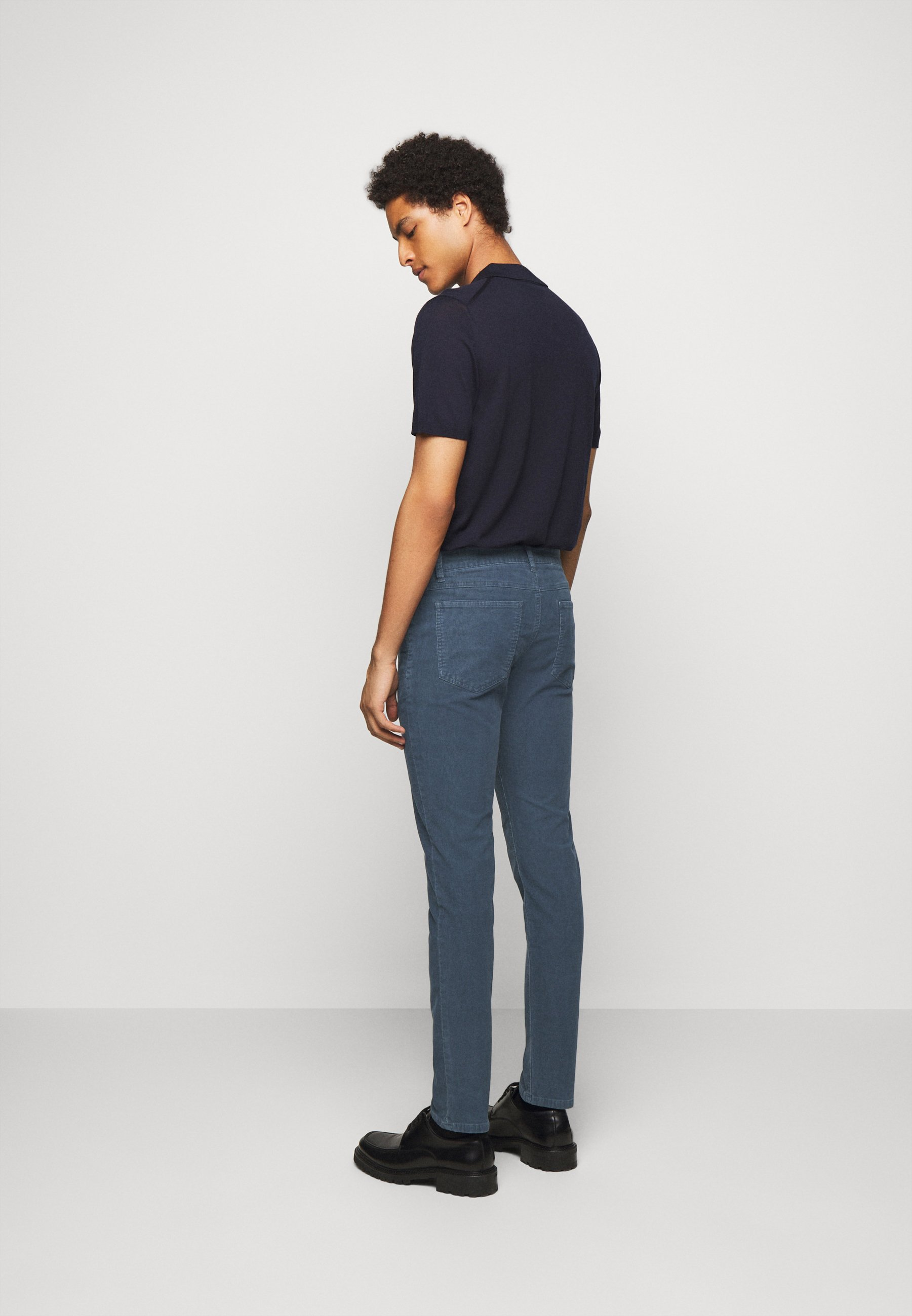 Closed Unity Slim - Stoffhose Blue Dawn