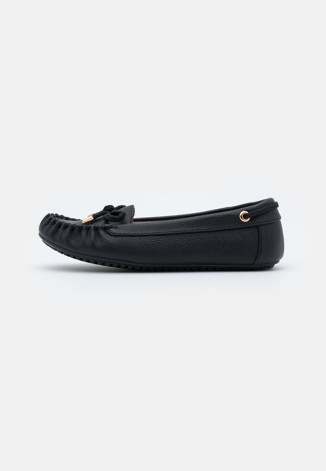 LEVI DRIVER SHOE - Mocassins - black