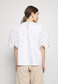 Carin Wester - BLOUSE ANDIE - Bluse - bright white - 2