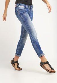 Herrlicher - PIPER SLIM - Slim fit jeans - bliss - 3