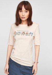 s.Oliver - Print T-shirt - light blush power print - 0