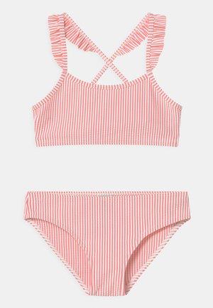 MAISSANE CANDY STRIPE SET - Bikini - gretel/marshmallow
