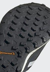 adidas Performance - TERREX AGRAVIC FLOW SCHUH - Nøytrale løpesko - black - 11