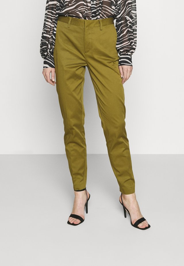 BELL' SLIM FIT IN MERCERIZED QUALITY - Pantalones chinos - army