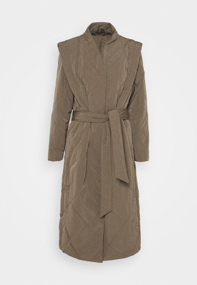 HYACINTH JOANNE COAT - Klassisk frakke - bungee brown