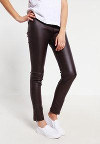 Cream - BELUS KATY - Leggings - Trousers - hot java - 0