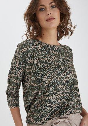 Camiseta de manga larga - green animal mix